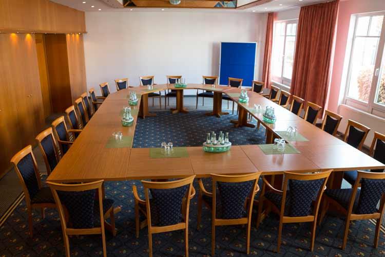 Landhotel-Gillenfelder-Hof-Tagungsraum-2